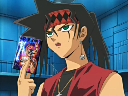 Duke showing Super Giga Mecha Nesbitt a picture of Yu-Gi-Oh! Zexal's Yuma in YGOTAS episode 51