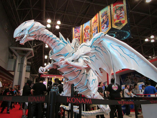 Large Blue-Eyes Alternative White Dragon statue at Konami's NYCC 2016 booth