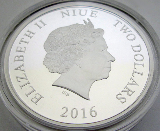 Close-up of the observe design of the New Zealand Mint Yu-Gi-Oh! coins featuring Queen Elizabeth II