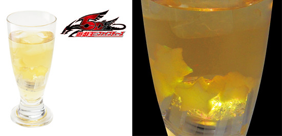 Yu-Gi-Oh! 5D's Clear Mind drink with glowing ice cube at the Yu-Gi-Oh! Animate Cafe