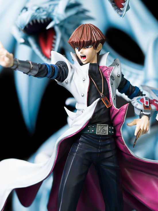 Three-quarter close-up view of Seto Kaiba's body in Kitsune Statue's Seto Kaiba with Blue-Eyes Ultimate Dragon statue