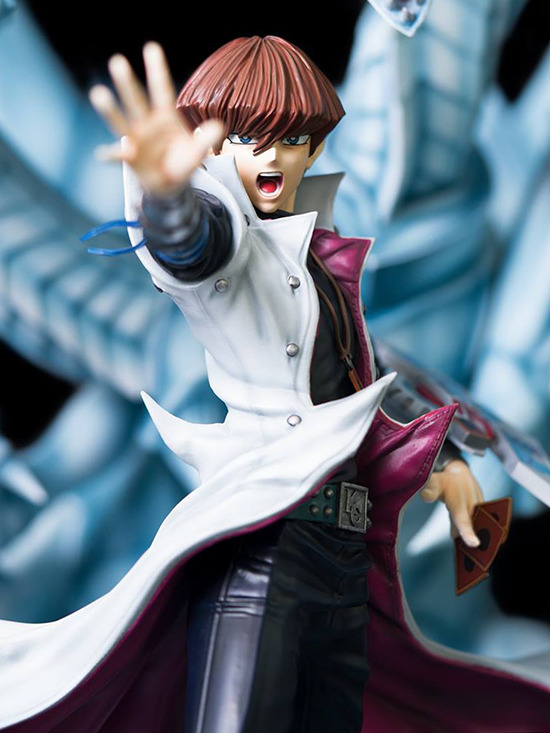 Close-up front view of Seto Kaiba's upper body in Kitsune Statue's Seto Kaiba with Blue-Eyes Ultimate Dragon statue