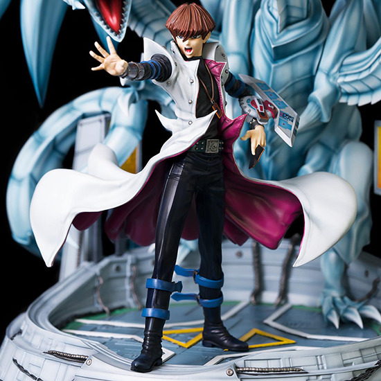 Three-quarter view of Seto Kaiba's full body in Kitsune Statue's Seto Kaiba with Blue-Eyes Ultimate Dragon statue