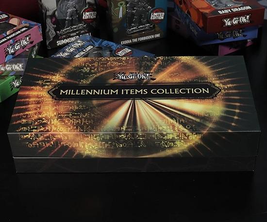 Replica Millennium Items Collection closed box by Fanattik